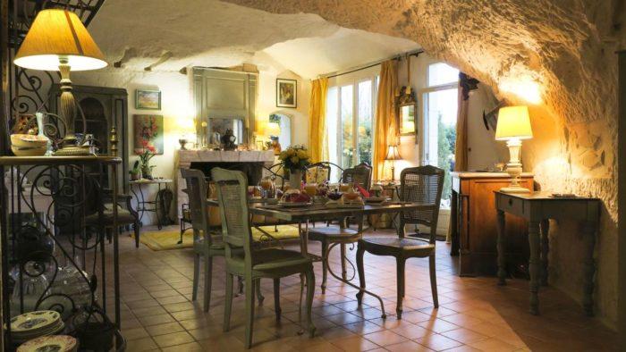 Cave de l'Eperon  Chambres d'hôtes à Trôo