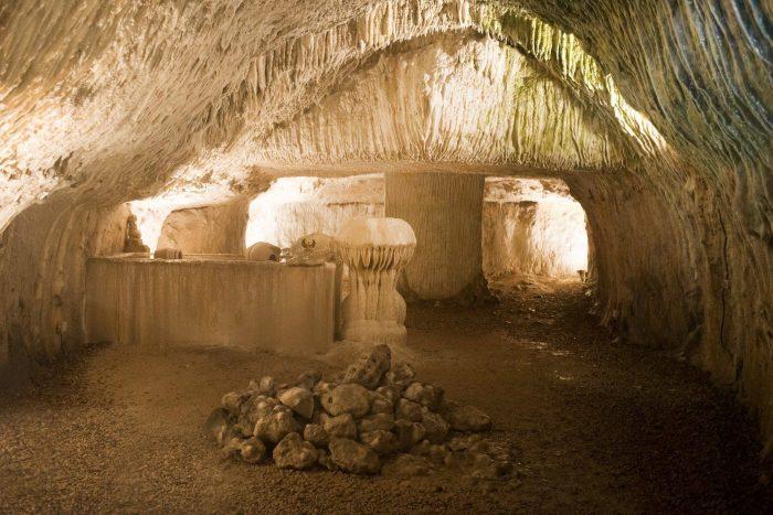 Grotte pétrifiante de Trôo