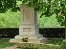 Monuments aux morts de Trôo